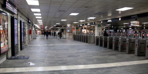 Pla general del vestíbul de l'estació de Plaça Catalunya de Barcelona, després de operatiu policial contra els venedors ambulants del 10 de gener de 2019. Foto: Elisenda Rosanas / ACN.