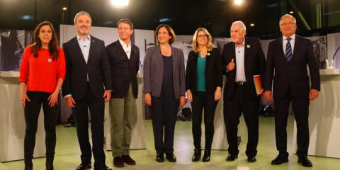Els alcaldables a Barcelona, Anna Saliente (CUP), Jaume Collboni (PSC), Manuel Valls (Barcelona pel Canvi-Cs), Ada Colau (BComú), Elsa Artadi (JxCat), Ernest Maragall (ERC) i Josep Bou (PP) abans del debat a Betevé el 12 de maig del 2019. Foto: Nazaret Romero / ACN