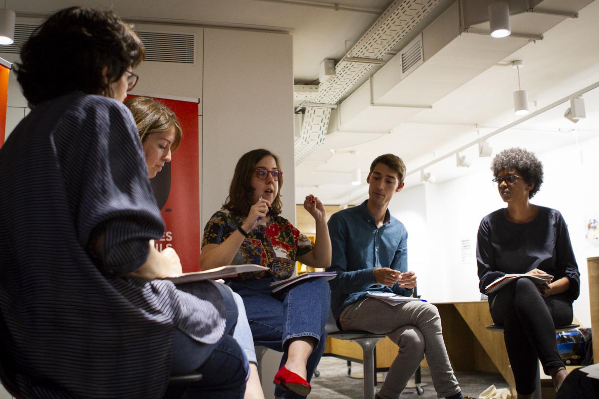 Acte 'Periodisme a la sala de miralls', organitzat per l'Observatori d'Actualitat del Discurs Discriminatori als Mitjans a l'Espai Societat Oberta. Foto: Estefania Bedmar / GPRB.