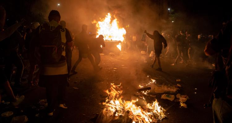 Protestes postsentència al centre de Barcelona. Foto: Bru Aguiló.