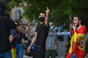Manifestants d'extrema dreta amenacen periodistes per la Diada. Foto: Lorena Sopena (cedida)