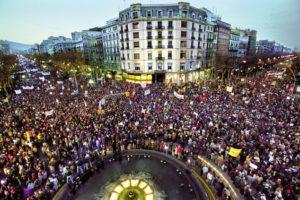 Manifestació a Barcelona contra la guerra de l'Iraq, el 15 de febrer de 2003. Foto: ACPS2017 / Wikimedia Commons.