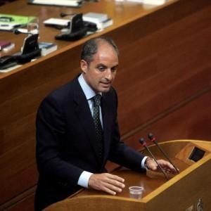 Intervenció de Camps a les Corts valencianes en el moment que acusa Luna de voler-lo assassinar