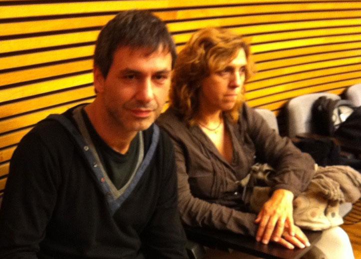 Vicent Mifsud (esquerra) minuts abans de comparèixer a Les Corts.