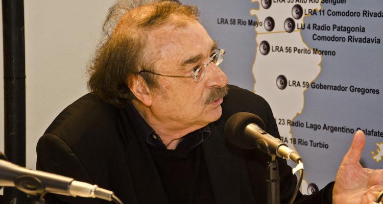 El periodista Ignacio Ramonet, entrevistat a la Radio Nacional Argentina l'any 2014. Foto: Romina Santarelli / Ministerio de Cultura de la Nación.