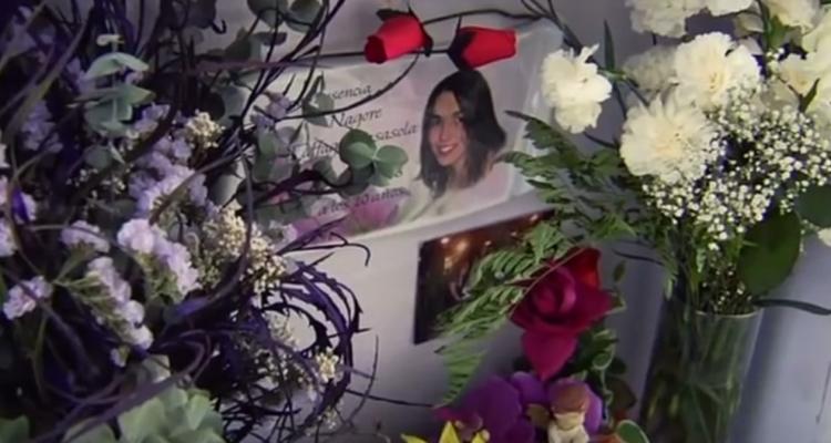 Tomba de Nagore Laffage, violada i assassinada als Sanfermins de 2008. Imatge: documental 'Nagore'.