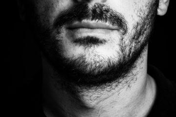 silenci parlar barba boca ajuda