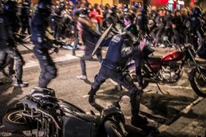 disturbis periodista protesta moviment okupa