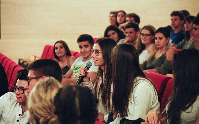 Acte inaugural del curs 2016-2017 del grau en Periodisme de la Facultat de Comunicació a la Universitat Pompeu Fabra. Foto: UPF.