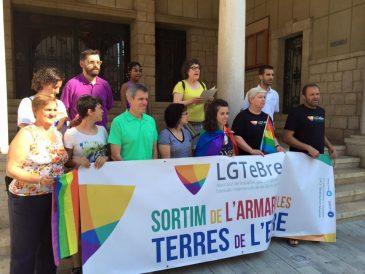 Manifest de l'Orgull LGTBI 2016 a Amposta. Foto: 'Colors del Territori'