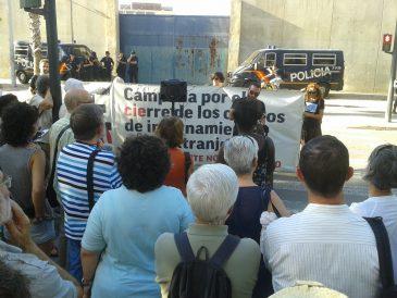 Protesta pel tancament del CIE de Sapadors. Foto: València Acull.