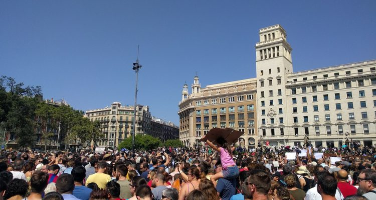 Minut de silenci a Plaça Catalunya, el 18 d'agost de 2017.