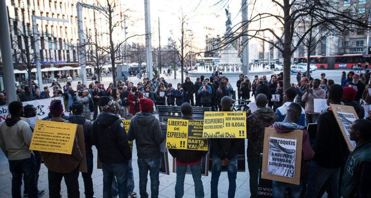 Concentració a Lavapiés, Madrid, en protesta per la mort de Mame Mbaye. Foto: AraInfo -Diario Libre de Aragón. Pablo Ibáñez.
