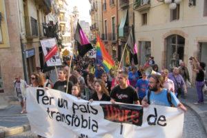 Manifestació contra la transfòbia i l'homofòbia a Reus. Foto: Colors del Territori.