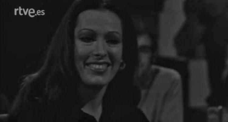"""Massiel, al programa pilot """"La gente quiere saber"""", produït el 1972 però que mai es va arribar a emetre. Imatge: RTVE."""