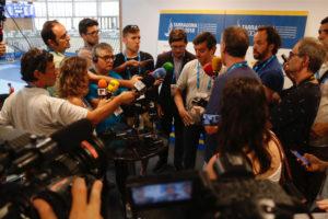Declaracions als periodistes de balanç dels Jocs del Mediterrani de Tarragona, a càrrec de Javier Villamayor, comissionat, i Víctor Sánchez, director executiu, el juny de 2018. Foto: Sílvia Jardí / ACN.