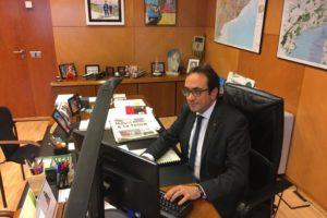 Josep Rull al seu despatx en una imatge publicada per ell mateix al seu perfil de Twitter, el 30 d'octubre de 2017.