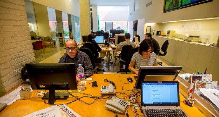 La redacció de Vilaweb, el mitjà digital en català més antic. Foto: Vilaweb.
