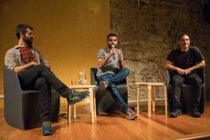 Jordi Borràs, Albert Mercadé i Miquel Ramos a l'acte sobre extrema dreta organitzat per Somatents. Foto: Sònia Calvó.