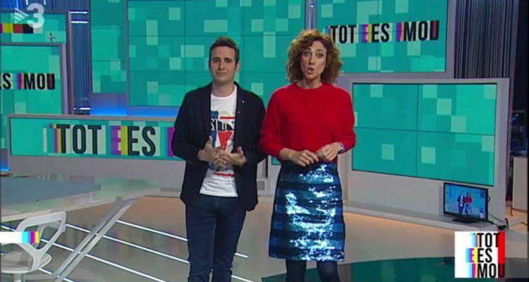 """Lluís Marquina i Helena Garcia Melero, el març de 2018, presentant el programa """"Tot es mou"""" de TV3. Foto: CCMA."""