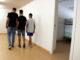Tres menors migrants en un centre d'acollida de Badalona. Foto: Norma Vidal / ACN.