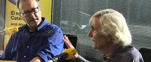 """Xavier Antich i Josep Gifreu a la secció """"El racó de pensar"""" d'""""El matí de Catalunya Ràdio"""". Foto: CCMA."""