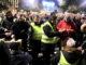 Els taxistes voten si continuar la vaga, aquest dimecres al vespre a Barcelona. Foto: ACN / Miquel Codolar.