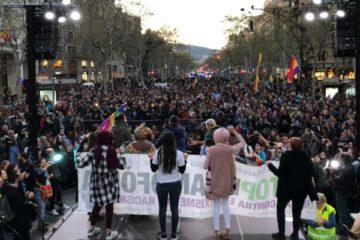 Manifestació contra Vox i l'auge de l'extrema dreta a Barcelona, el 23 de març. Foto: Alan Ruiz Terol / ACN.