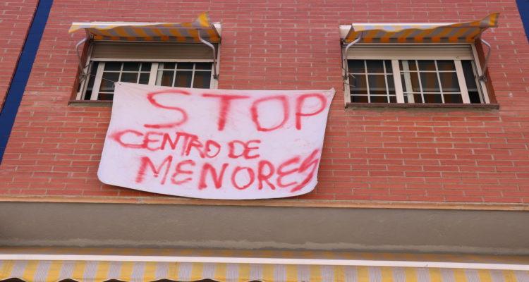 stop centro de menores cartell rubí