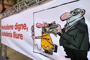 Pancarta a l'acte per un periodisme digne, el 4 de juny de 2019. Imatge: Periodigne.