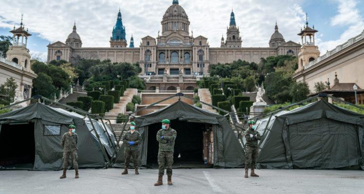 Desplegament de l'Exèrcit davant de la Fira de Barcelona. Foto: Clara Soler / Ajuntament de Barcelona