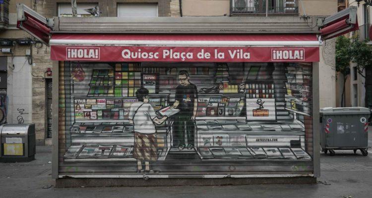 Un quiosc a la plaça de la Vila del barri de Gràcia, a Barcelona. Foto: Sònia Calvó