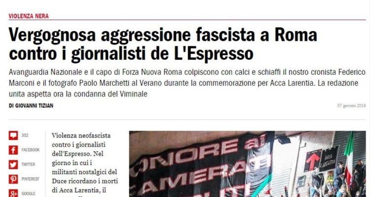 Portada de L'Espresso denunciant l'agressió a dos dels seus treballadors.