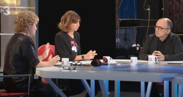 Pilar Rahola (esquerra) rep crítiques per aparèixer molt a programes de TV3 com el 'FAQS'. Imatge: CCMA.