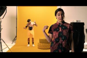 El vídeo promocional de la cooperativa audiovisual Bruna qüestiona qui té el poder per crear relats que configuren els imaginaris. Imatge: Bruna coop.
