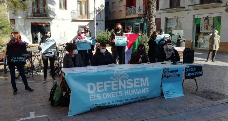 Roda de premsa a València de la campanya per valorar l'arxivament de la causa judicial contra vuit activistes del BDS. Foto: Defensem DDHH.