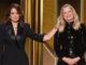 Tina Fey i Amy Poehler van ser les presentadores de la 78a cerimònia dels Globus d'Or, que va lliurar els premis a distància a causa de la pandèmia per coronavirus, diumenge. Imatge: NBC.