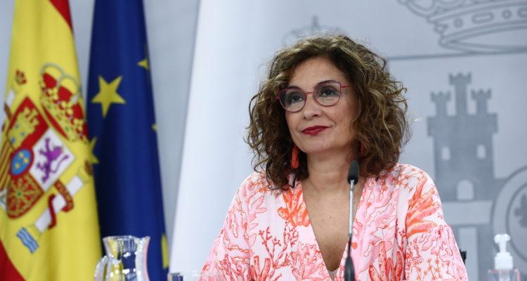 La portaveu de govern espanyol, María Jesús Montero, en roda de premsa posterior al Consell de Ministres, aquest dimarts. Foto: Fernando Calvo / pool Moncloa.