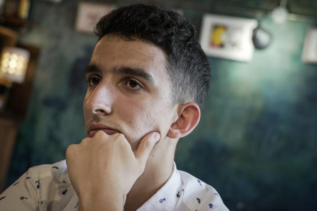 Alaaddine Azzouzi, durant l'entrevista. Foto: Sònia Calvó