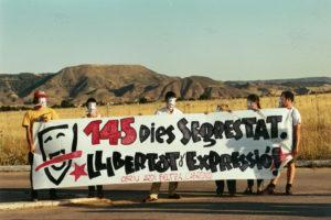El grup dels Països Catalans davant la presó d'Alcalá Meco esperant Pepe Rei. Foto: Directa / Arxiu