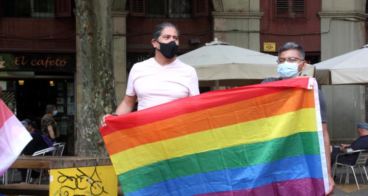 Concentració d'entitats amb motiu de la Diada Internacional per l'Alliberament LGTBI+. Foto: ACN/ Imanol Olite