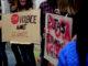 Pancartes en una manifestació de Putes Indignades. Foto: Meritxell Rigol.