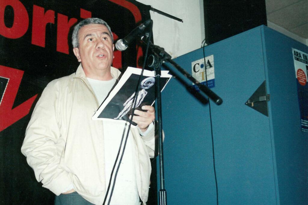 Presentació de l'edició Països Catalans de 'Kale Gorria' al CAT-Tradicionàrius de Gràcia, el 2002. Foto: Arxiu / Directa.