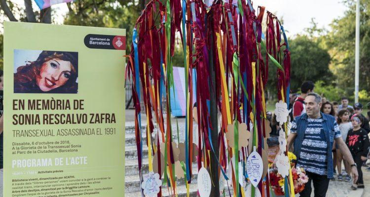 Glorieta de Sonia Rescalvo Zafra durant l'acte en la seva memòria. Foto: Ajuntament de Barcelona, Sebastià Rambla