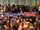 Un grup de manifestants a l'aeroport del Prat convocats per Tsunami Democràtic, el 14 d'octubre del 2019. Foto: ACN. Miquel Codolar